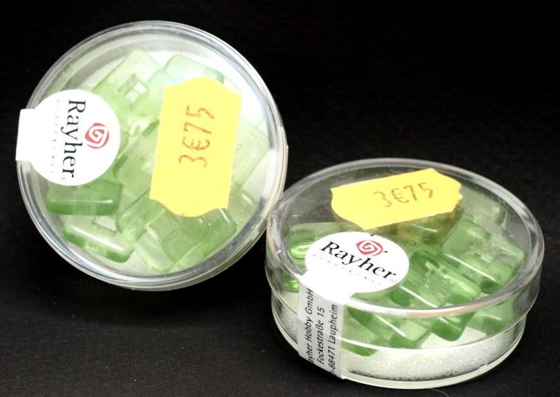 Carr&eacute; en verre 12x12 mm<br />vert tilleul